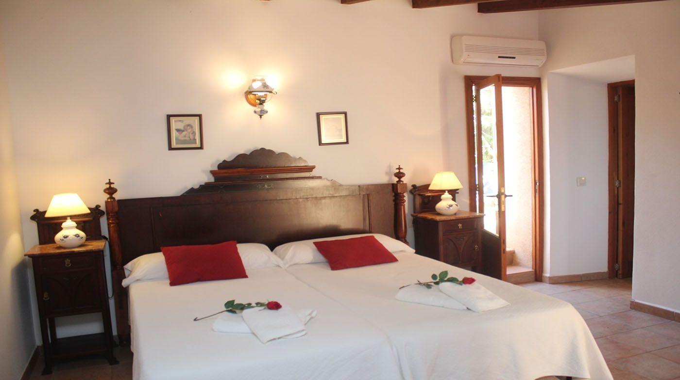Finca Hotel Es Torrent · Doppelzimmer mit Terrasse